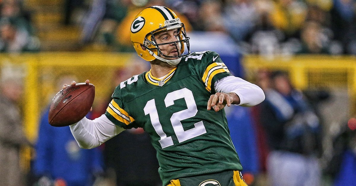 de4a463f0 Green Bay Packers Quarterback Aaron Rodgers Signs Exclusive Collectibl –  Steiner Sports