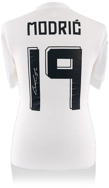 the best attitude baa95 e1931 Luka Modric Real Madrid CF Autographed 2015-2016 Home Jersey with Fan Style  Numbers - ICONS