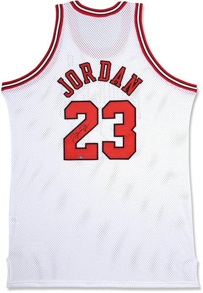 on sale e4119 94980 Michael Jordan Autographed Chicago Bulls Mitchell & Ness 97-98 Home/White  Jersey (UDA Auth)