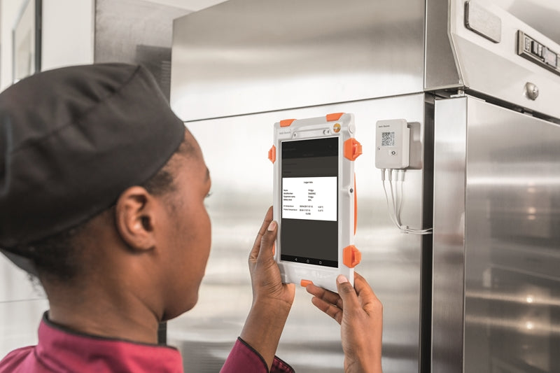 Testo Saveris Food Solution: Transparency, Secure Compliance, and Increased Efficiency.