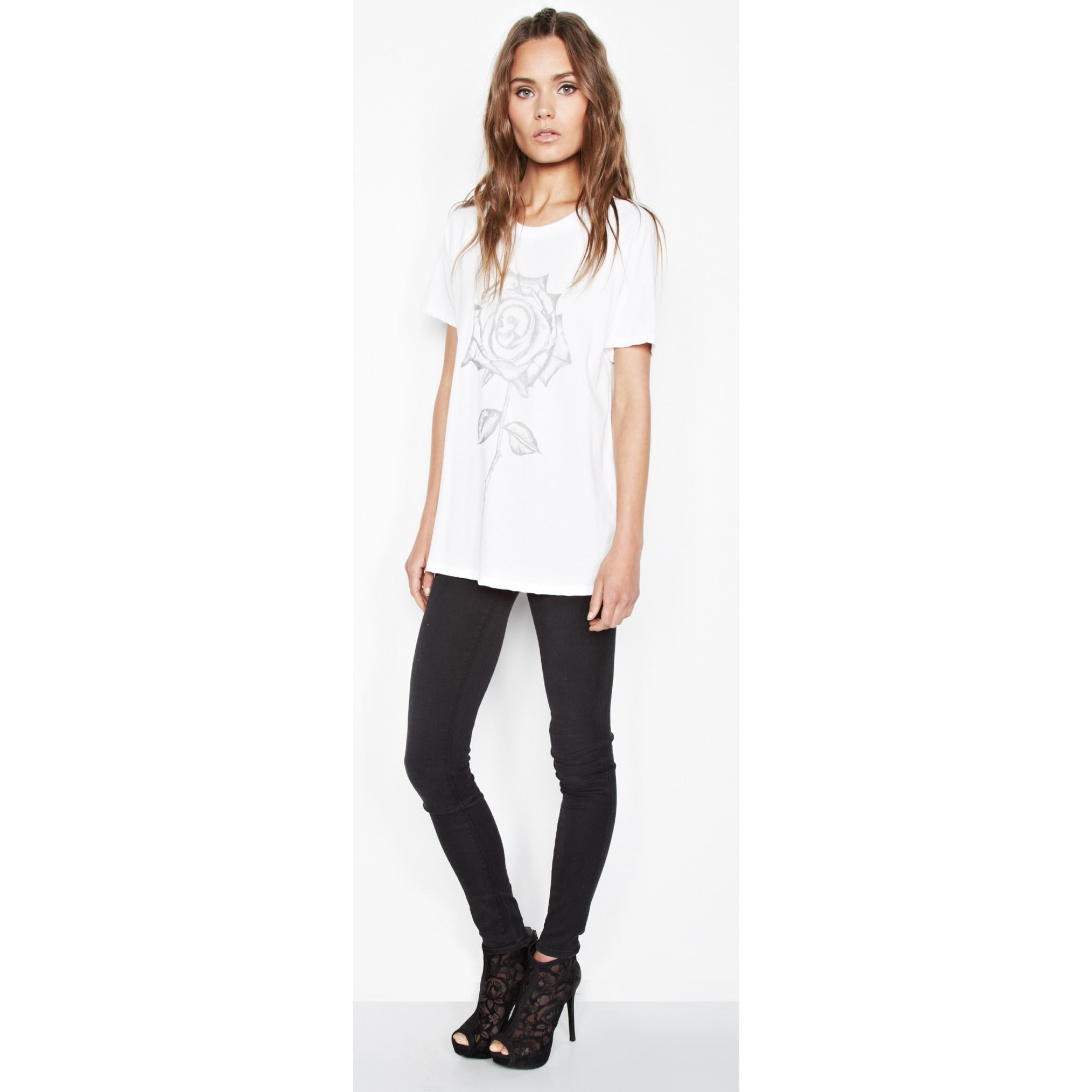 Janie Short Sleeve in White Skull Rose