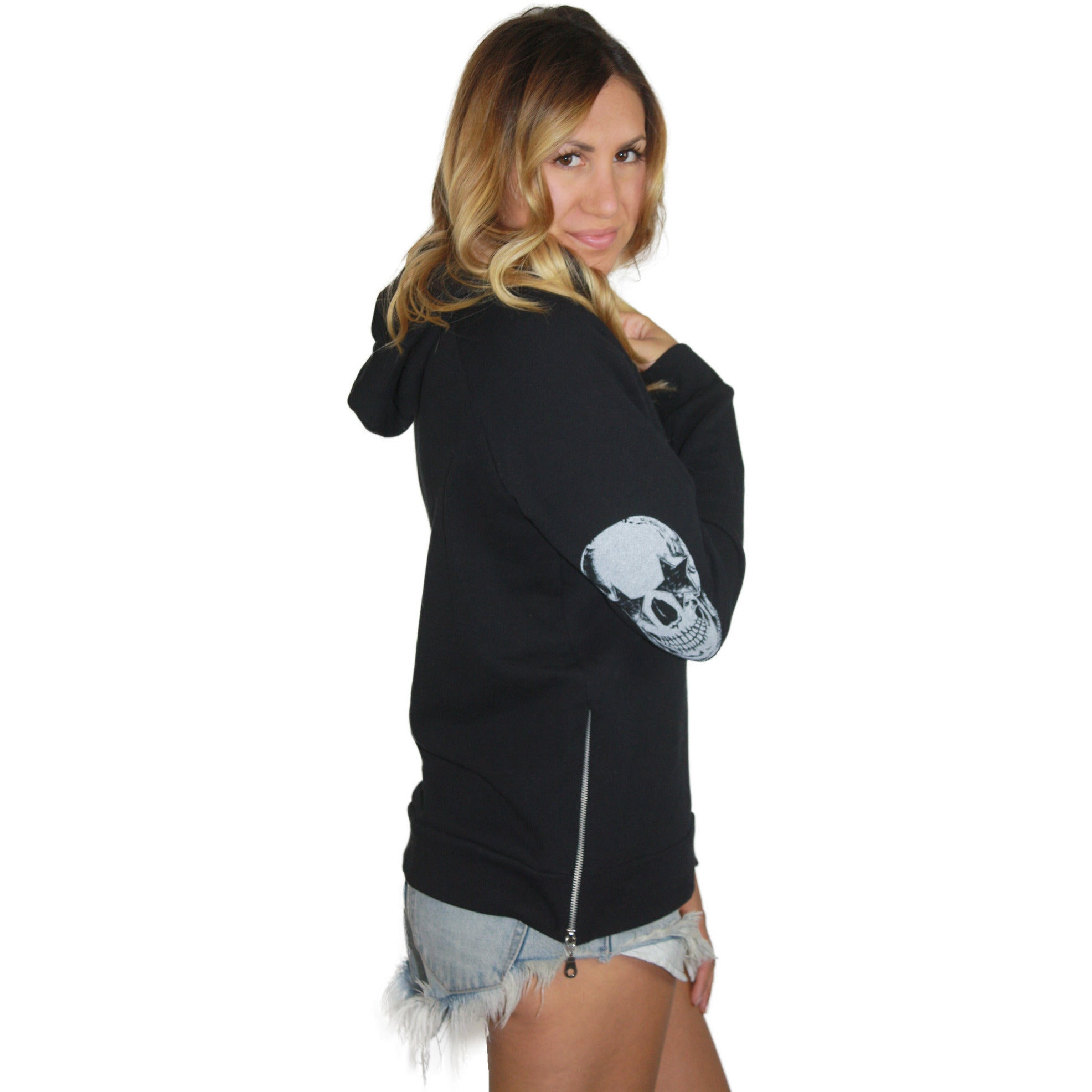 Corbin Pullover in Black Star Skull Eye
