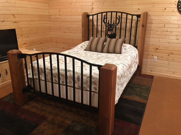 """Trophy Buck"" Rustic Queen Bed"