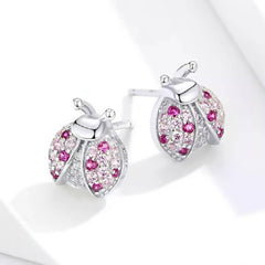 CR Charms Aretes Mariquita Brillante
