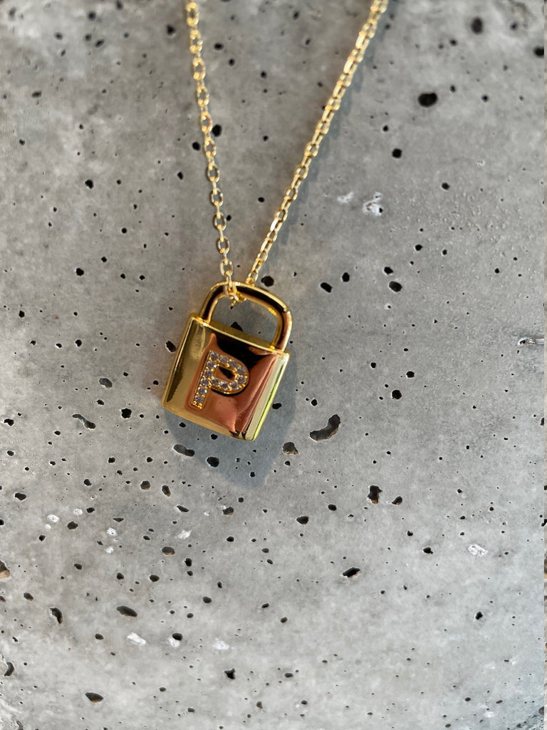 EMM COPENHAGEN LOCK LETTER NECKLACE P GULDBELAGT