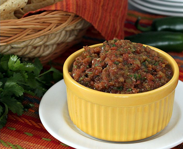 Countdown to Cinco de Mayo 2017: Day 9 – Fire-Roasted Salsa