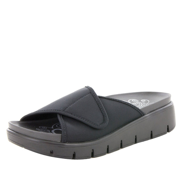 Airie Go To Black sandal with Dreamfit technology and heritage sport footbed - AIR-295_S1