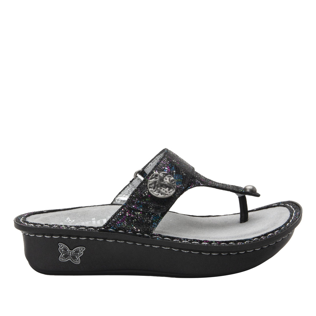 Carina Chromatic thong style sandal on the Classic rocker outsole - CAR-7743_S3