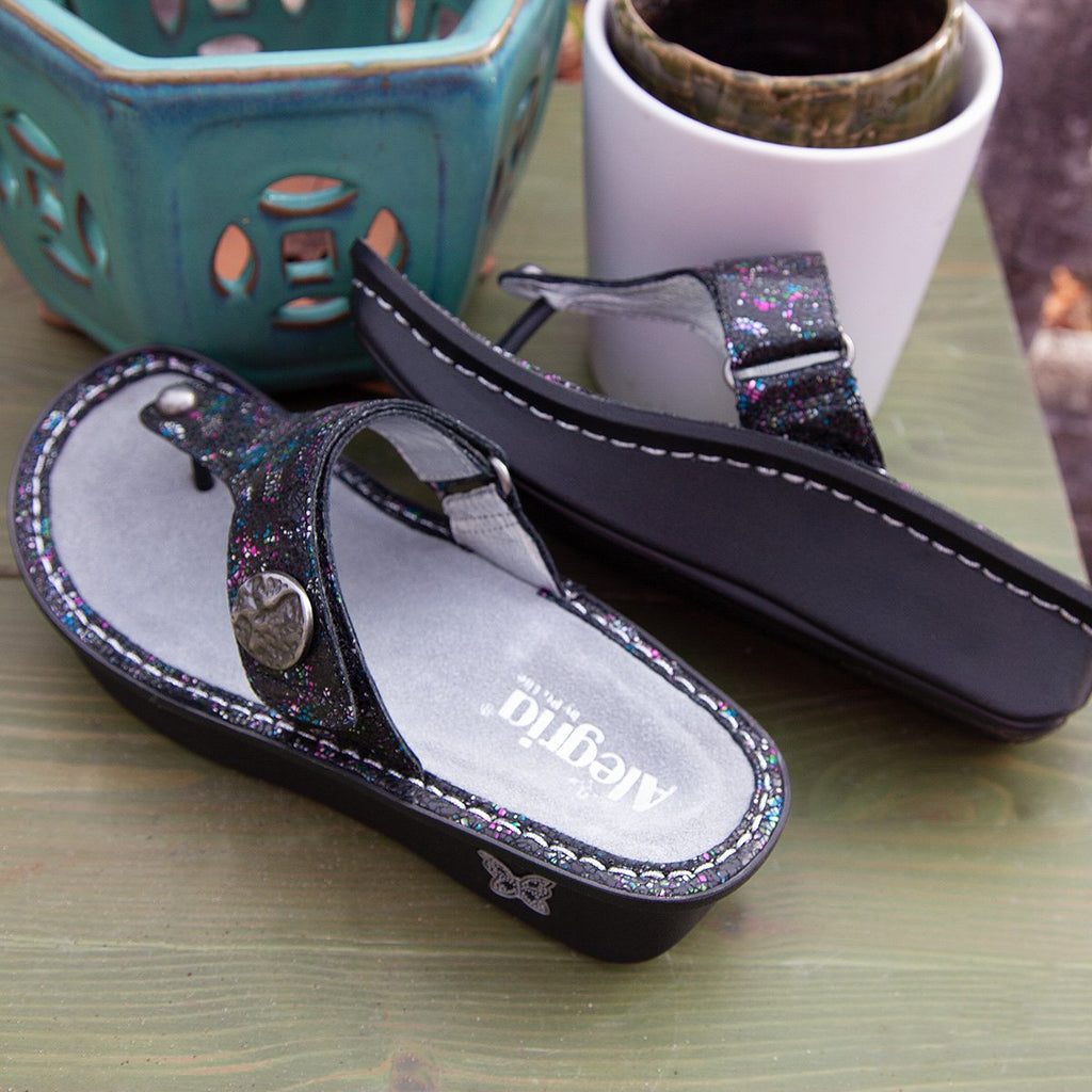 Carina Chromatic thong style sandal on the Classic rocker outsole - CAR-7743_S2