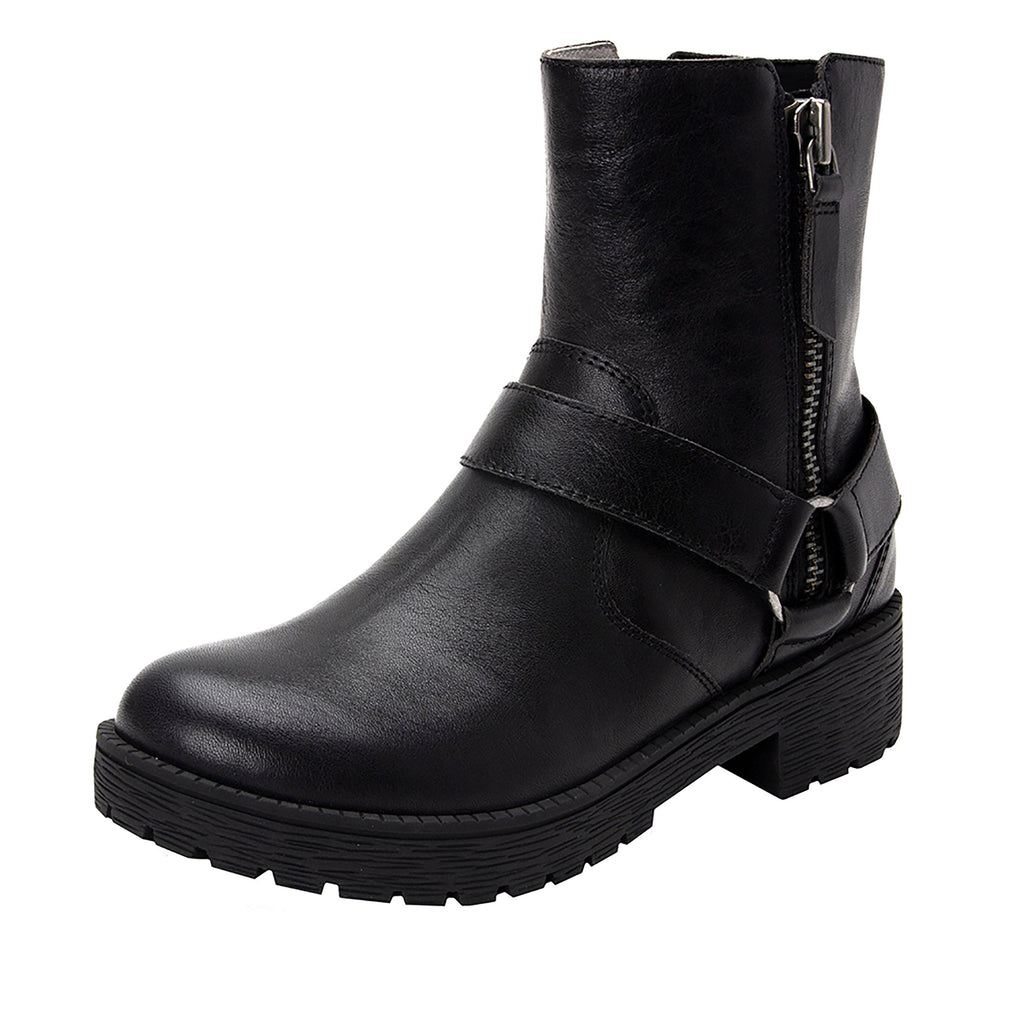 Charlette Crazyhorse Black boot with rugged lug inspired outsole- CHA-101CH_S1