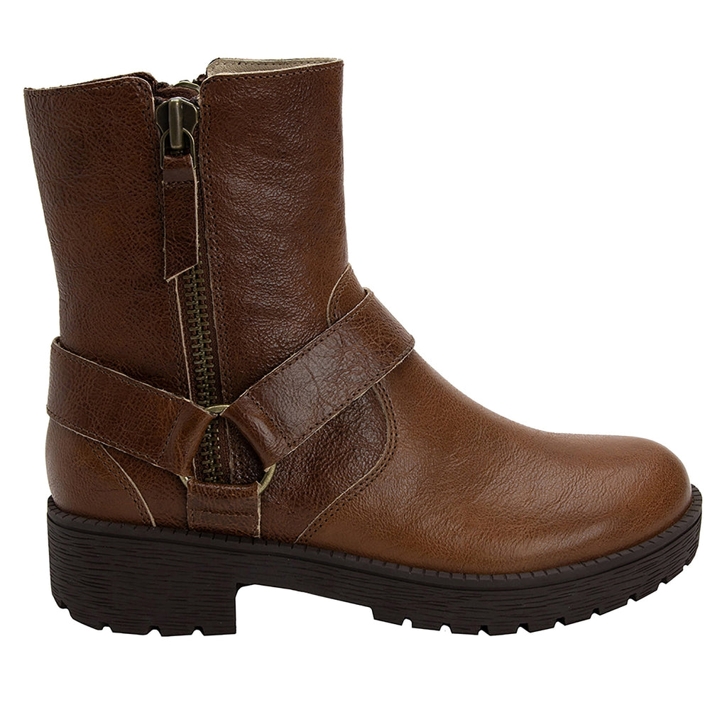 Charlette Crazyhorse Brown boot with rugged lug inspired outsole- CHA-102CH_S2