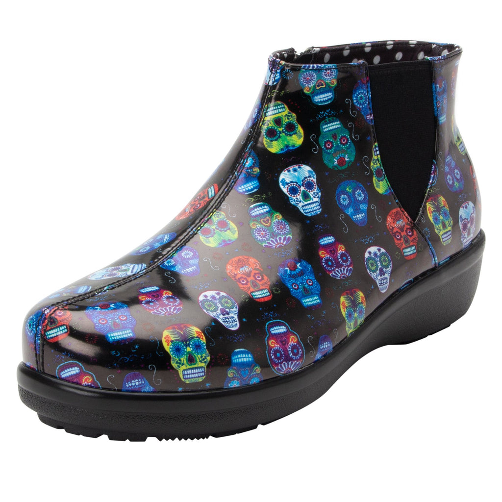 Climatease weather resistant Sugar Skulls Boot with trim comfort outsole. CLI-484_S1