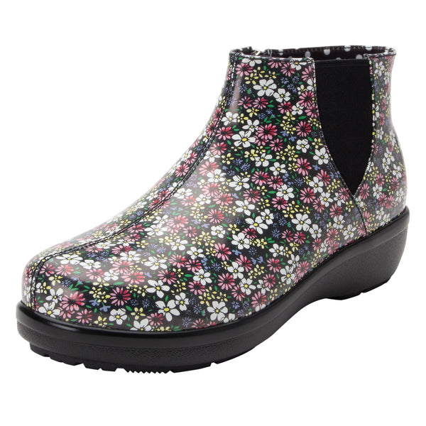 Climatease weather resistant Wild Flower Boot with trim comfort outsole. CLI-5648_S1