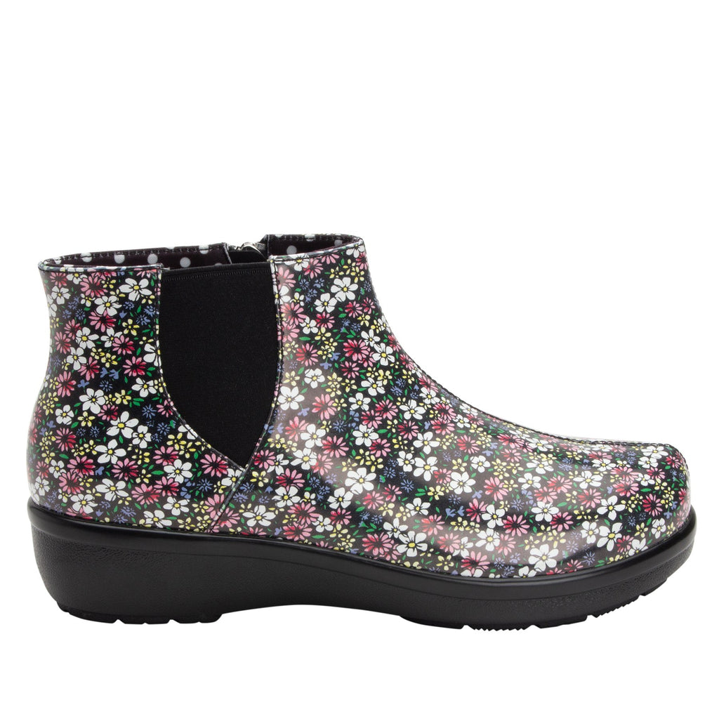Climatease weather resistant Wild Flower Boot with trim comfort outsole. CLI-5648_S2