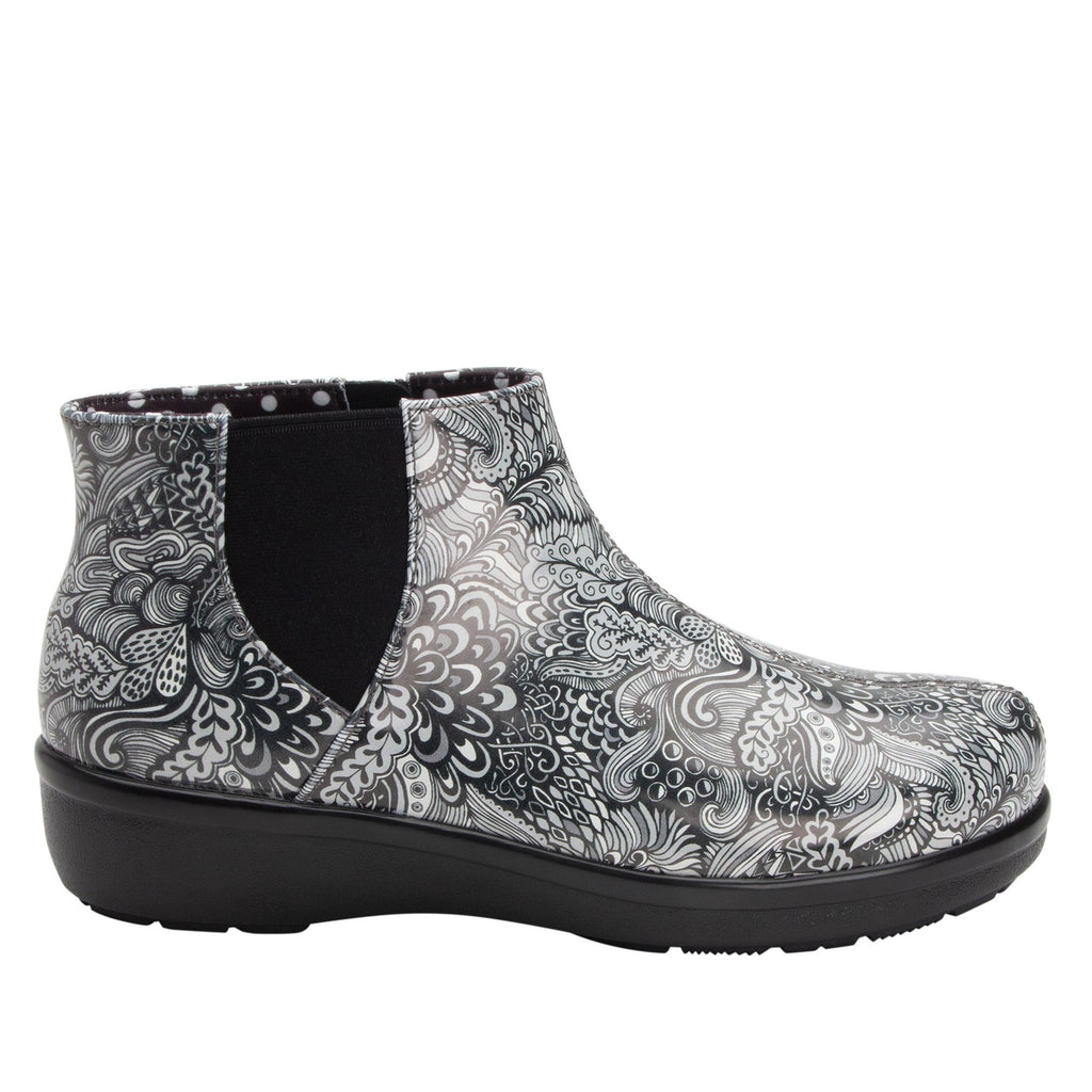 Climatease weather resistant Wild Child Black Boot with trim comfort outsole. CLI-5994_S2