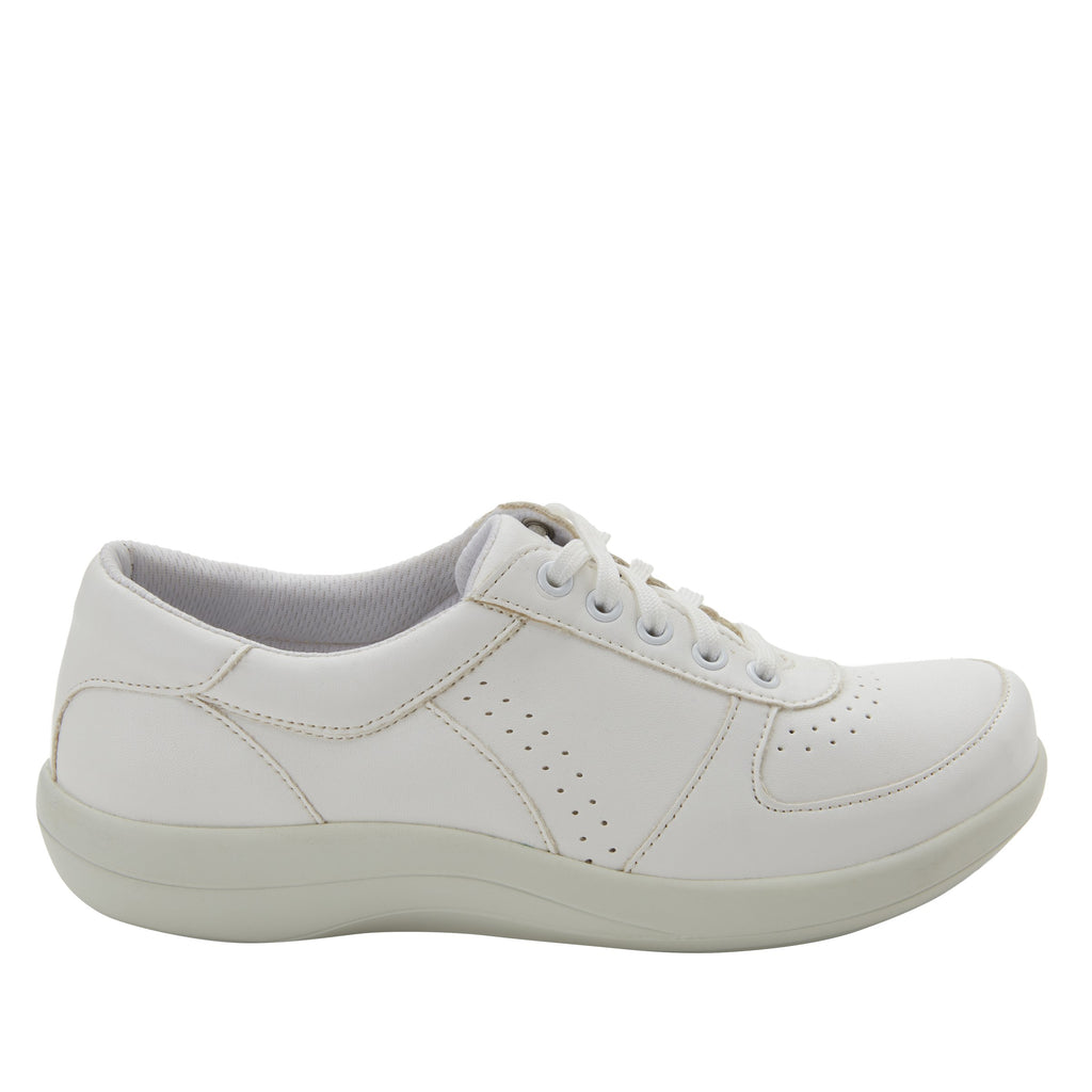 Daphne White Softie sport rocker shoe with dual density polyurethane outsole and laces for adjustability. DAP-7874_S2