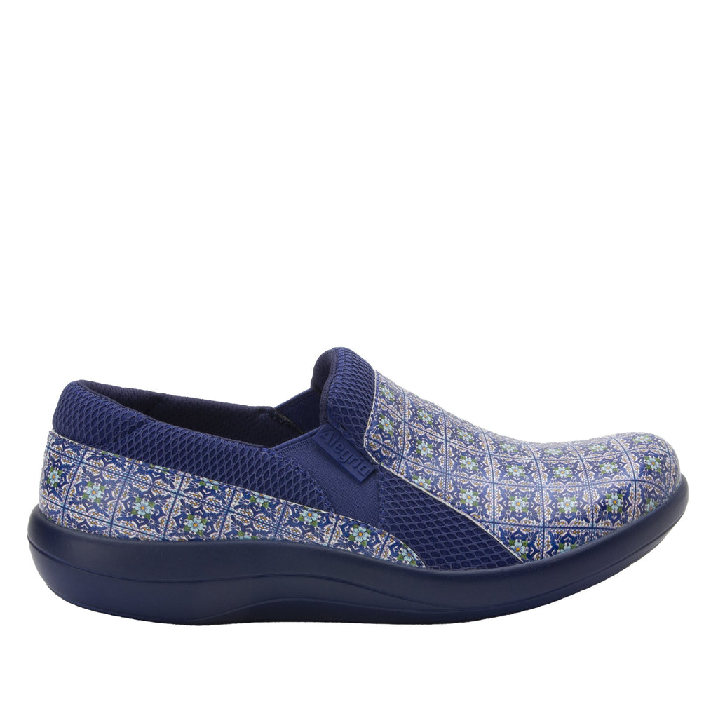 Duette Aztec Tile sport rocker professional shoe with lightweight responsive polyurethane outsole. DUE-7724_S2