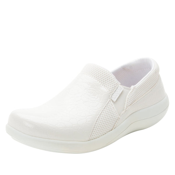 Duette Flourish White sport rocker professional shoe with dual density polyurethane outsole. DUE-956_S1