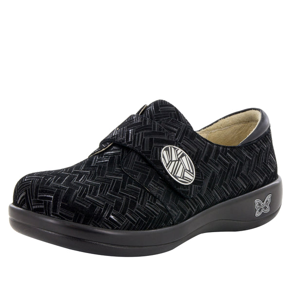 Joleen Interlockin' Black Professional Shoe