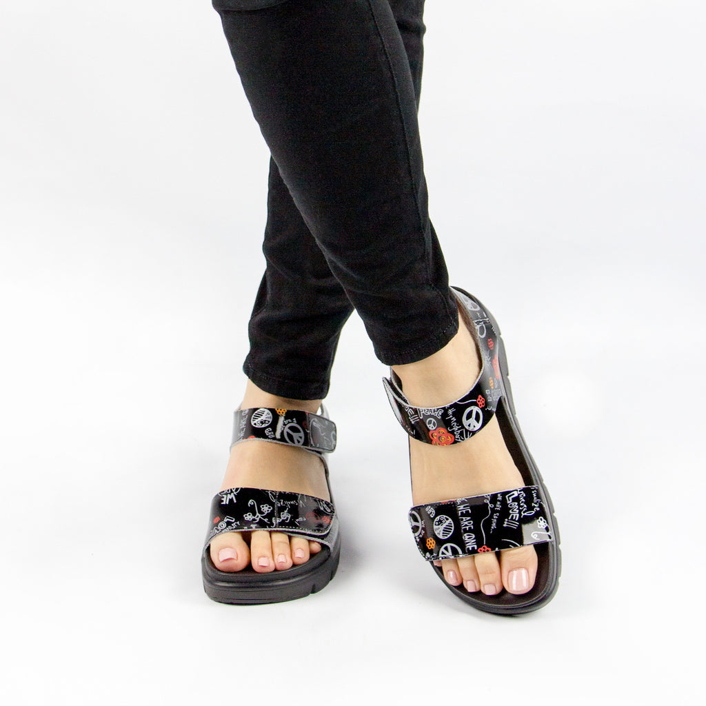 Playa Peace & Love Black Sandal