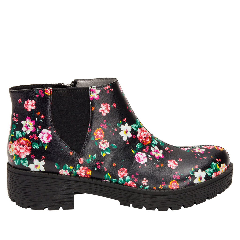 Shayne Blossom boot with rugged lug inspired outsole- SHA-911_S2