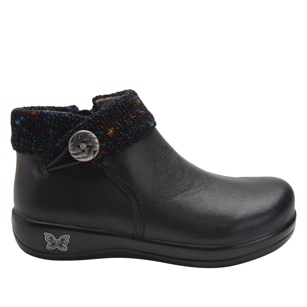 Sitka Black Bootie on Career Casual with contrast knited collar and warm linings for cooler weather. SIT-7857_S2