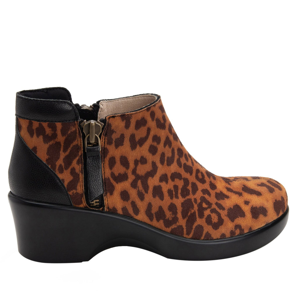 Sloan fashionable bootie on career fashion wedge in Leopard with Dream Fit™ upper - SLO-402_S2 (2250687971382)