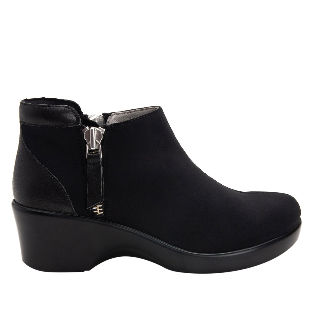 Sloan fashionable bootie on career fashion wedge in Black with Dream Fit™ upper - SLO-601_S2 (2250688233526)