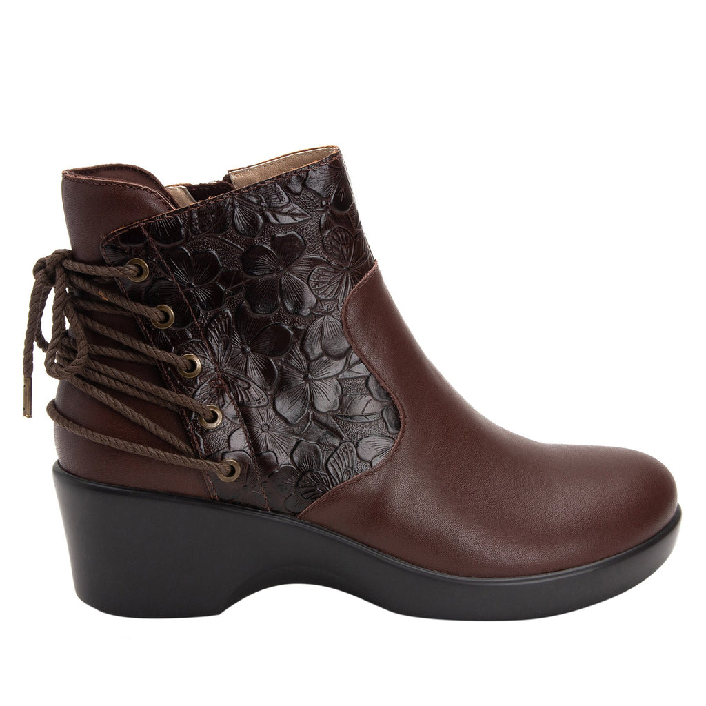 Stevee Cute Stuff Cocoa features a stylish zig-zag adjustable Lace-up detail with a side zip closure and contrast leather at the ankle and boot shaft - STE-796_S2