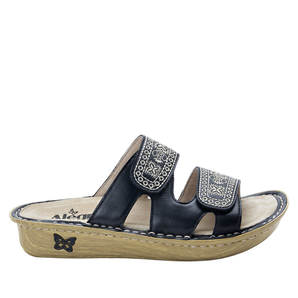 Violette Sew Cool Black slide sandal with cutout design on mini outsole - VIO-721_S2
