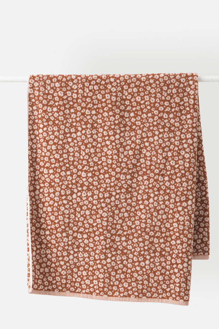Forget Me Knot Bath Towel - Chestnut