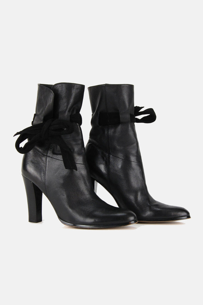 One More Chance Vintage - Vintage Charles David Heeled Leather Ankle Boots