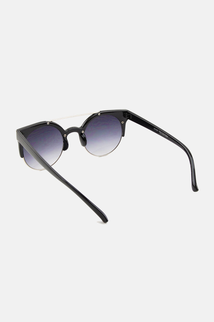 One More Chance Vintage - Freja Retro Rounded Fashion Sunglasses in Black
