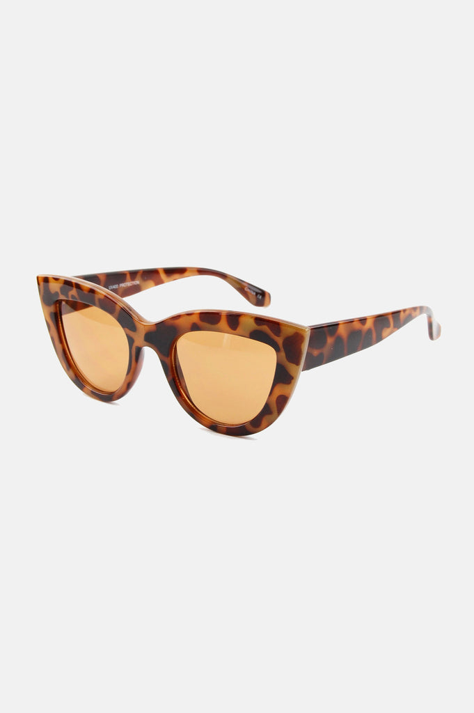 One More Chance Boutique - Kitty Cat Eye Sunglasses in Tortoise