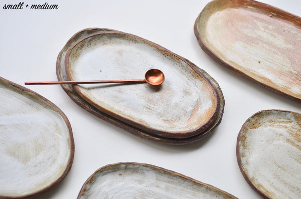 Handmade raw rustic earthenware plates - Eat & Sip