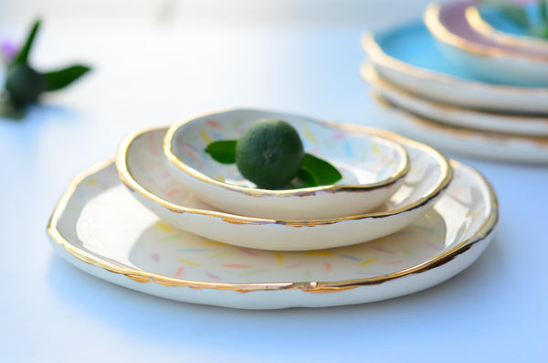 Ring dish with gold rim (medium)