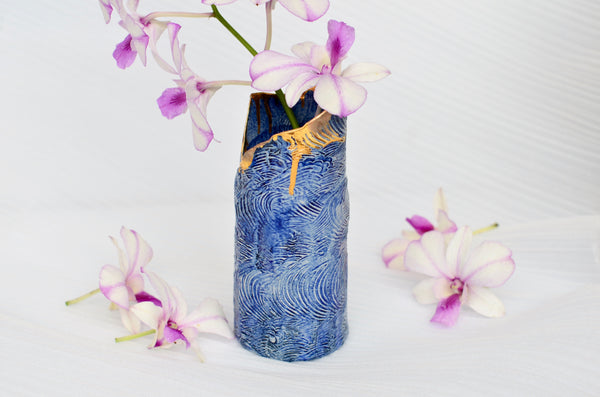 Ceramic handcrafted wave vase by Amelia Kingston | Singapore pottery