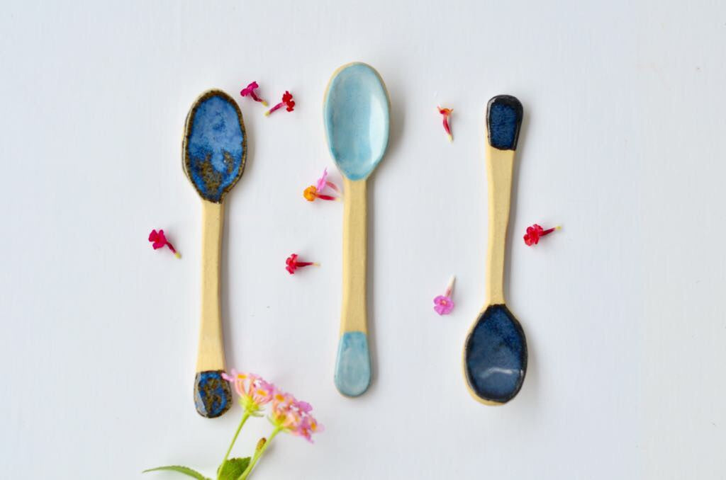 Little stoneware teaspoon (dark blue)