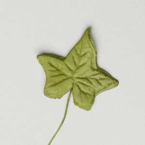 "1.5"" Ivy Leaves - Small - Green w/ Wire (100 per box)"