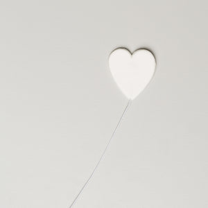"1-1/8"" Hearts on Wire - Medium - White"