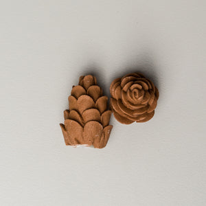 "1"" Pinecones - Royal Icing (66 per box)"