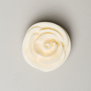 "1.5"" Large Classic Royal Icing Rose - Ivory (32 per box)"