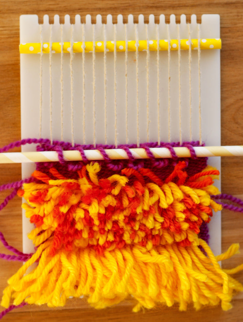 Making loops in the weaving