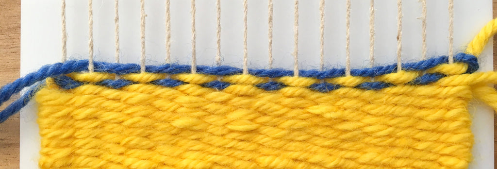How to weave dots on a little loom.