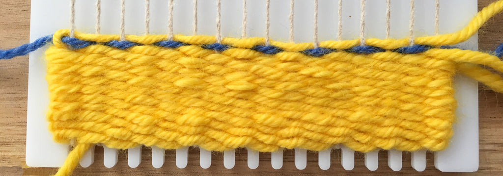 How to weave row 2, learn to weave dots