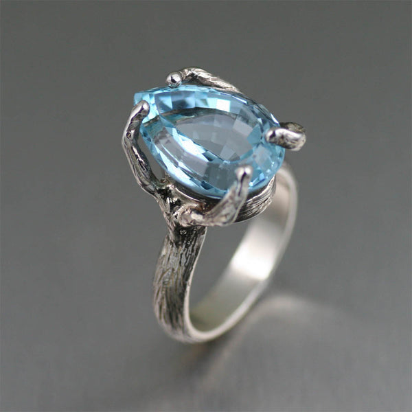 The Endless Shades of Blue Topaz Gemstones
