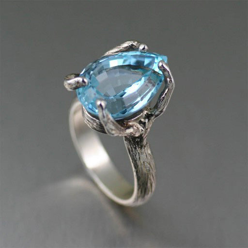 Your Guide to the Blue Topaz Gemstone