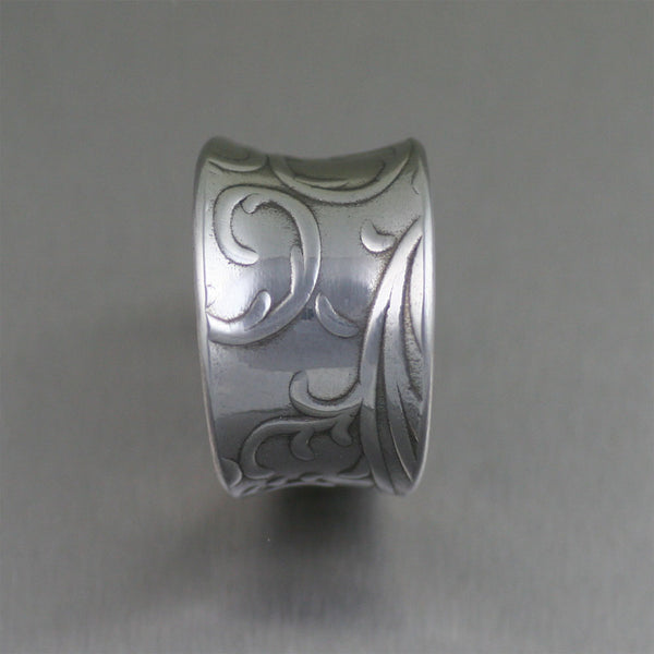 Anticlastic Aluminum Ring with Embossed Vines – Side View