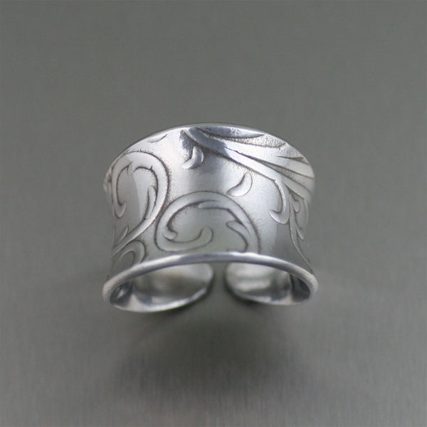 Anticlastic Aluminum Ring with Embossed Vines – Top