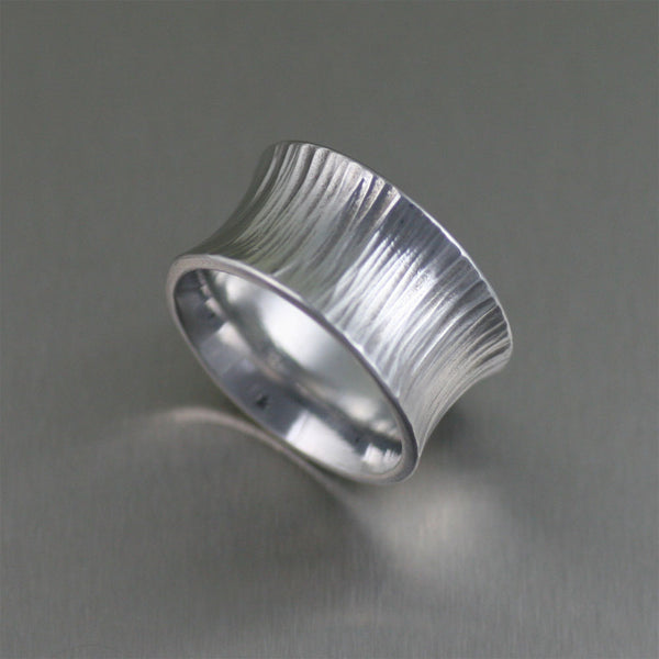 Chased Anticlastic Aluminum Band Ring – Left View